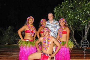 Bild: Tanzgruppe auf Bora Bora - Reiseblog von Frank Seidel