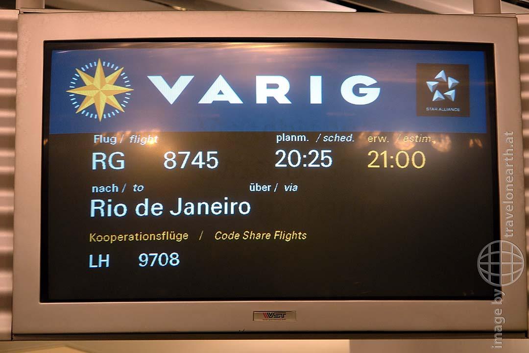 Bild: Monitor am Flughafen: Flug nach Rio de Janeiro - Reiseblog von Frank Seidel, Weltreise