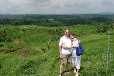 Bild: Christine Schirk und FRank Seidel bei den Reisterrassen in Zentralbali - Reiseblog von Frank Seidel