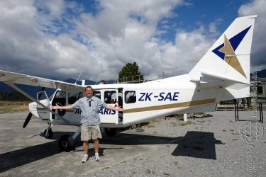 Bild: Frank Seidel vor dem Gletscherrundflug, Neuseeland - Reiseblog von Frank Seidel