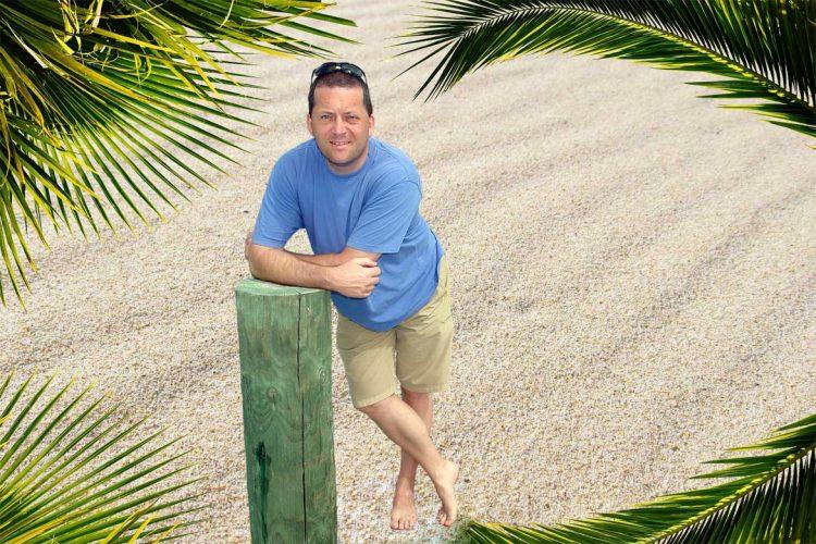 Bild: Frank Seidel unter Palmen, Weltreisender - Reiseblog von Frank Seidel