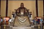 weltreise_2006-09_china_peking_changling_ming_grab_06.jpg